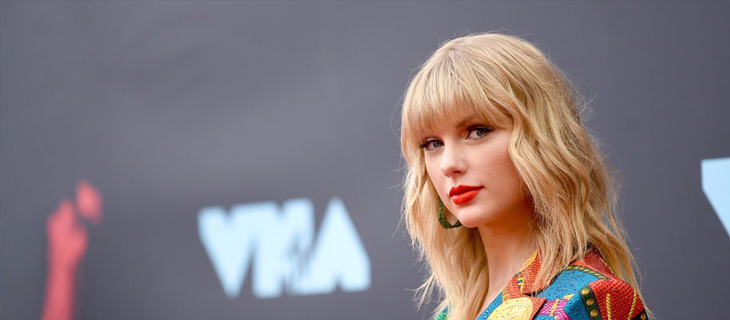 Taylor Swift sí podrá interpretar sus viejas canciones en los American Music Awards